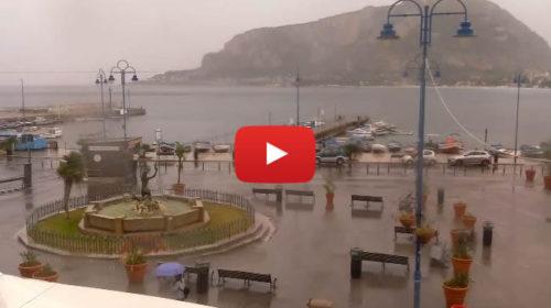 Maltempo su Palermo ☔ Le immagini IN DIRETTA da Mondello