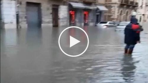 Situazione LIVE critica a Licata: violenti nubifragi e strade completamente allagate | IL VIDEO 📹