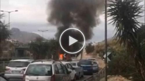 Autostrada Palermo-Catania chiusa da Bagheria: auto in fiamme a Villabate   IL VIDEO 📹