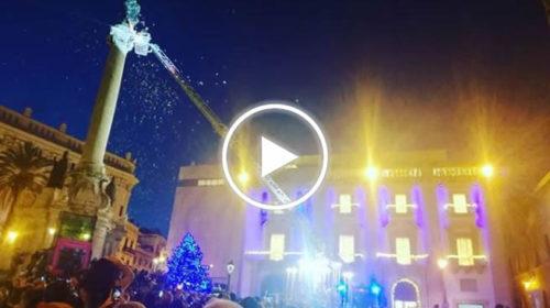 Festa dell'immacolata a Palermo, l'omaggio dei Vigili del Fuoco a Piazza San Domenico   VIDEO 📹