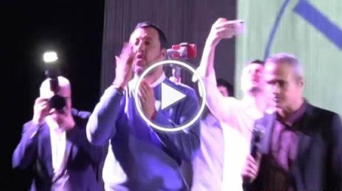 Salvini divide Palermo: applausi e standing ovation contro Costituzione e citofoni | VIDEO 📹