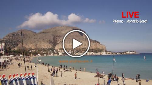 A Palermo è già primavera: +18°C! Mondello presa d'assalto, le immagini IN DIRETTA dalla spiaggia ☀🌴 VIDEO 🎥