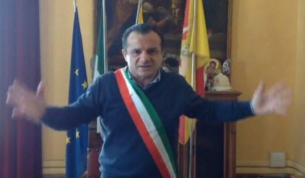 """Cateno furioso contro il ministro Lamorgese: """"Uccide me e la democrazia"""" 📹 VIDEO"""