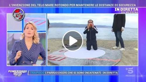 """""""Pomeriggio 5"""", da Messina la proposta di un telo mare per mantenere le distanze di sicurezza 📹 VIDEO"""