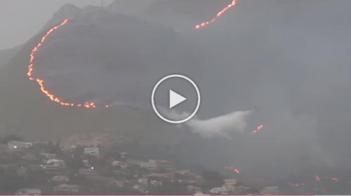 Brucia Monte Cuccio, le fiamme lambiscono le case: canadair in azione   VIDEO 📹