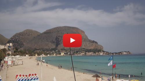 La spiaggia di Mondello dopo le polemiche, ecco le immagini IN DIRETTA 📹