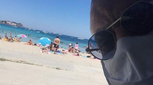 """La Iena Giulio Golia a Mondello: """"Ammazza che acqua. Sembrano le Maldive"""" – FOTO"""