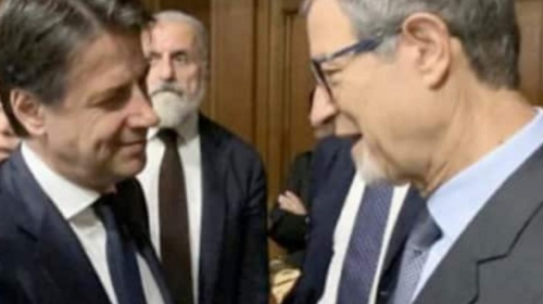 Migranti, vertice tra Conte e Musumeci per stemperare le tensioni a Lampedusa (VIDEO)