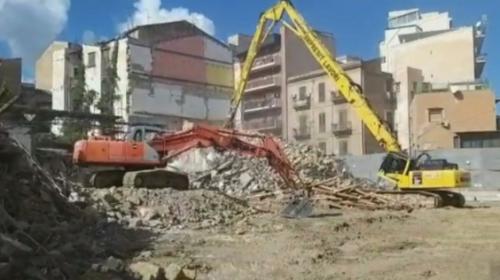 Passante Ferroviario a Palermo, abbattuta la quinta palazzina in vicolo Bernava (VIDEO)