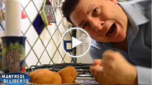 """Un'arancina è per sempre…"" L'esilarante comicità di Manfredi Di Liberto – VIDEO"