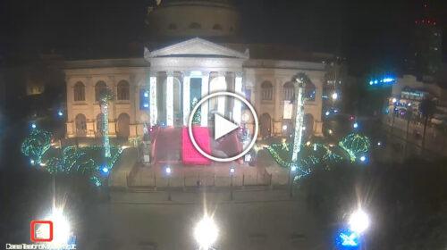 Natale in lockdown: le immagini IN DIRETTA da una Piazza Verdi tristemente deserta – VIDEO