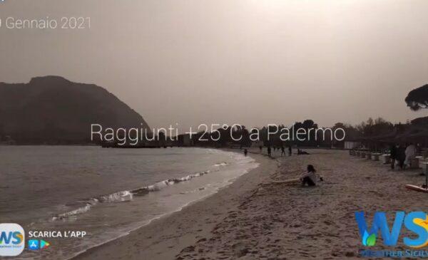 Palermo, raggiunta una temperatura massima di +25°C: le immagini da Mondello – VIDEO