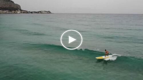 Palermo, una giornata invernale sul Sup a Mondello: le spettacolari immagini – VIDEO