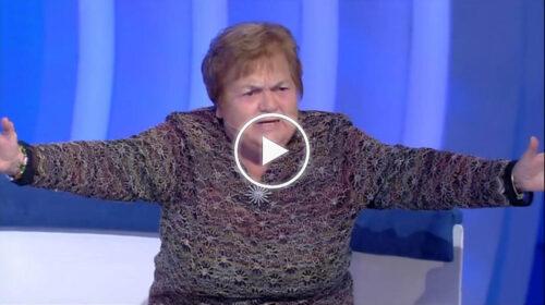 """Sarina da Francavilla di Sicilia a """"C'è Posta per Te"""" entra nel cuore degli Italiani con la sua simpatia – VIDEO"""