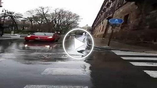 """Domenica """"Arancione"""" a Palermo, tra restrizioni e allerta meteo: le immagini dal centro storico – VIDEO"""