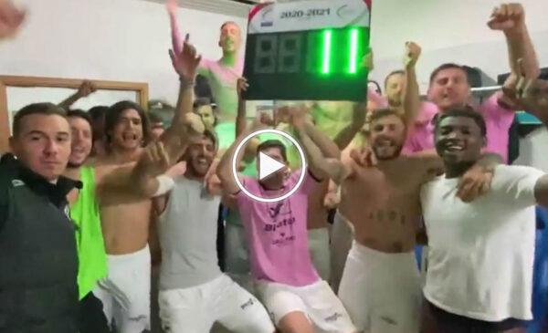 """Palermo, grande festa negli spogliatoi dopo il successo nel Derby: """"La Sicilia quella vera siamo noi"""" – VIDEO"""