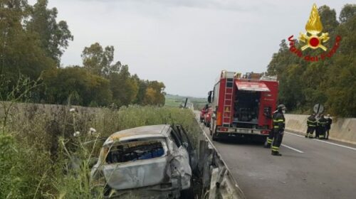 Tragedia nell'autostrada Palermo Mazara del Vallo, due uomini carbonizzati nella vettura (FOTO)