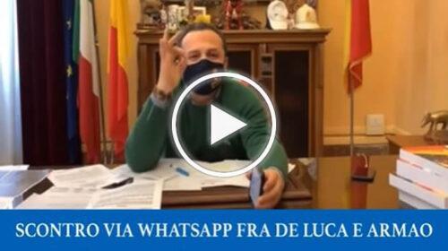 """""""Fate schifo"""", """"Va sucati un prunu"""", il duello verbale su Whatsapp De Luca-Armao   VIDEO"""
