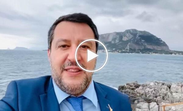 """Processo Open Arms, ore decisive per Salvini: """"Mi godo il mare dalla splendida Palermo"""" – VIDEO"""