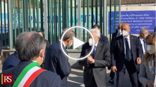 """Mattarella accolto da Musumeci, polemica di Miccichè sull' """"ennesima passerella"""" – VIDEO"""