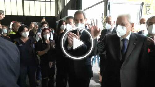Palermo, Mattarella visita l' HUB vaccinale della fiera del Mediterraneo: accolto tra gli applausi – VIDEO