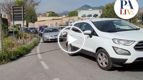 Caos in zona fiera per nuovo divieto di accesso, traffico in tilt – VIDEO