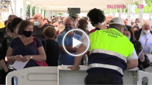 Palermo, via ai vaccini per i cinquantenni: lunghe code alla Fiera – VIDEO
