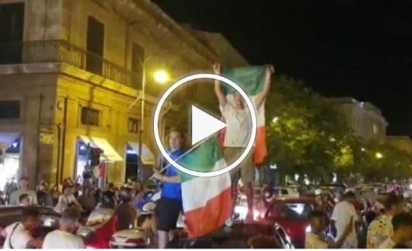 Grande festa sino a notte fonda a Palermo per la vittoria all'europeo dell'Italia sulla Spagna – VIDEO