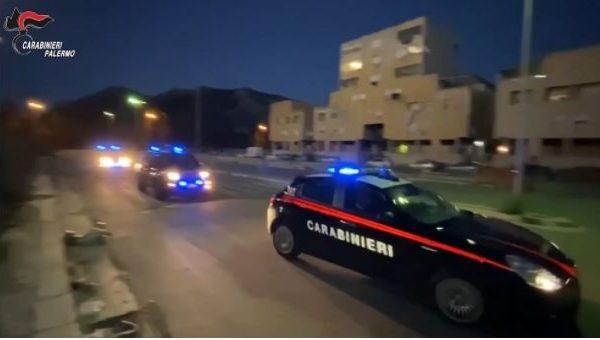 Operazione antidroga allo Zen 2, otto arresti dei carabinieri, lo stupefacente arrivava per posta dalla Spagna – VIDEO