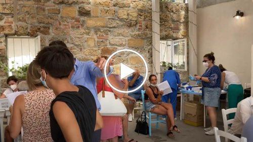 Vaccino in gelateria per 300 persone con #VaccinInQuartiere – VIDEO