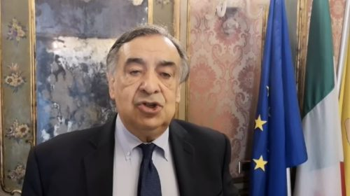 Ordinanze anti Covid del sindaco: stop a bevande in bottiglie di vetro e chiusura delle strade affollate – VIDEO