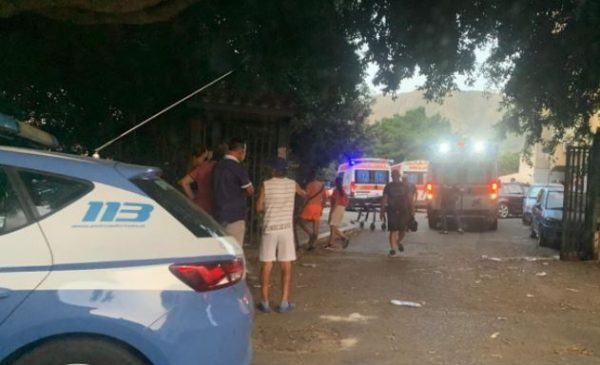 Falsomiele, sparatoria in un residence: almeno 3 feriti – VIDEO
