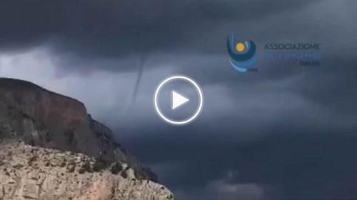 Palermo, accenno di tromba marina al largo di Mondello – VIDEO