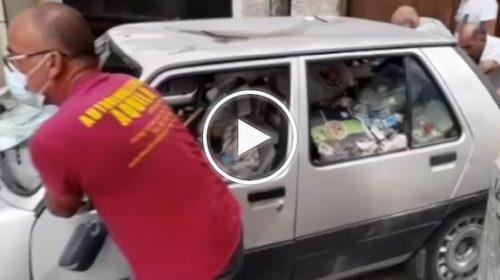 Vucciria, dopo più di 4 mesi rimossa auto abbandonata e piena di rifiuti – VIDEO