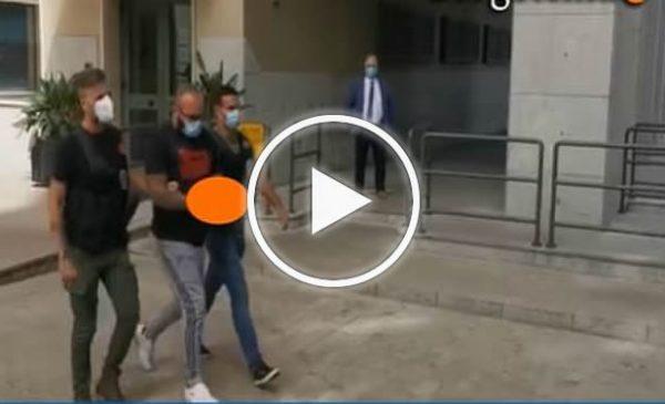 """Dai domiciliari 'sfotteva' sui social la Finanza, """"Me l'avete su…"""" ma torna subito in carcere – VIDEO"""