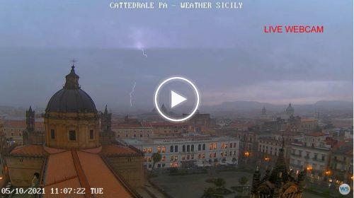Violento temporale su Palermo, le immagini IN DIRETTA dalla città – VIDEO